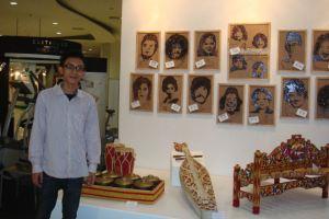 Saya di booth Pameran Musisi Indonesia dari Masa ke Masa